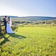 Bride: Mikayla Photo credit: Melissa Bayly